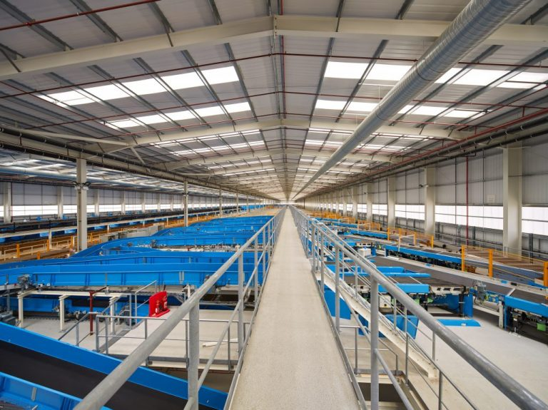 Hermes hub in Rugby: During the first stage of its development, this state-of-the-art facility is already processing almost one million parcels per day. (Photo: Hermes)    infrastructure; hub; logistics center