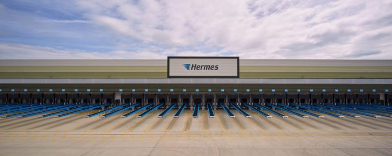 The new Hermes hub in Rugby covers an area of more than 34 football pitches. (Photo: Hermes)    infrastructure; hub; uk