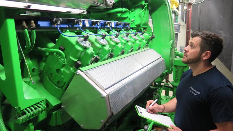 Um einen wesentlichen Teil der Energie selbst zu erzeugen und dabei gleichzeitig die Ressourcen zu schonen, hat Hermes im Versandzentrum Haldensleben im vergangenen Jahr ein modernes Blockheizkraftwerk in Betrieb genommen. (Foto: Hermes)