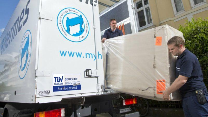 Möbelzustellung in Hamburg: Der Hermes Einrichtungs Service hat sein Sendungsaufkommen 2015 um 15 Prozent gesteigert. (Foto: Hermes)