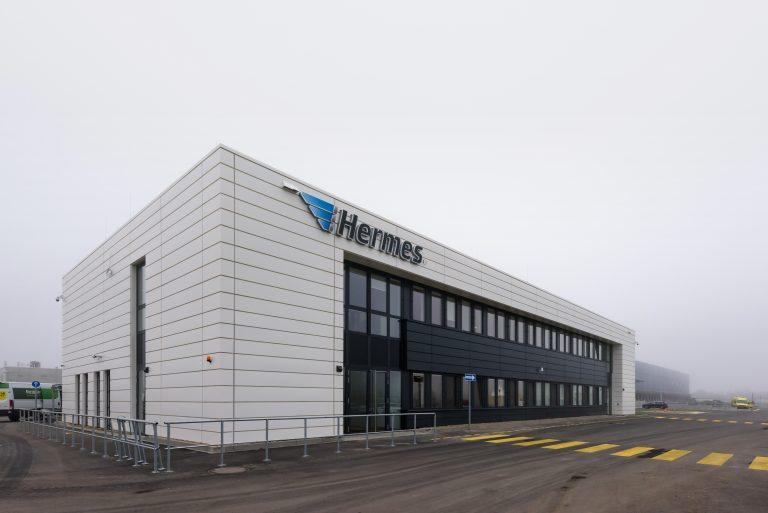Außenaufnahme des neuen Hermes Logistik-Centers Berlin-Brandenburg in Ketzin/Havel. (Foto: Hermes)  logistik center; infrastruktur; investition; immobilie; gebäude; halle; außenaufnahme LC
