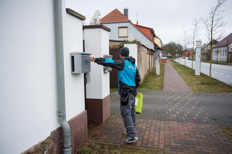 Paketzustellung in Brandenburg. (Foto: Hermes)