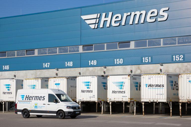 Elektrisch betriebener VW e-Crafter von Hermes am Logistik-Center Langenhagen. (Foto: Hermes)  elektromobilität transporter lieferwagen fahrzeug paketzustellung hannover lc logistikzentrum