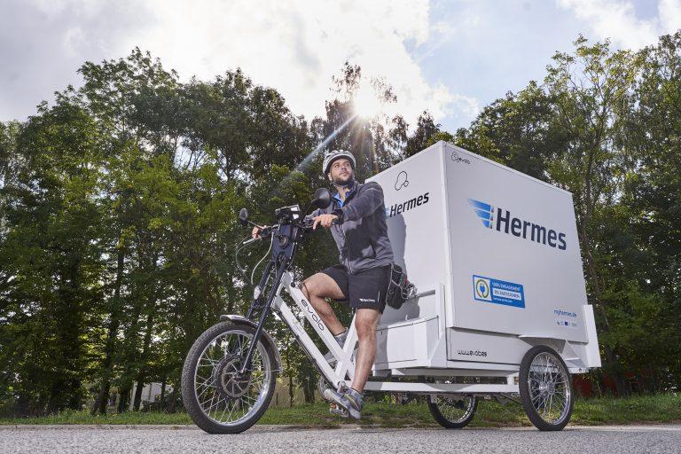 Elektrisch betriebenes Lastenrad des spanischen Herstellers evolo in Rostock (Foto: Hermes)lastenrad cargobike rostock zusteller