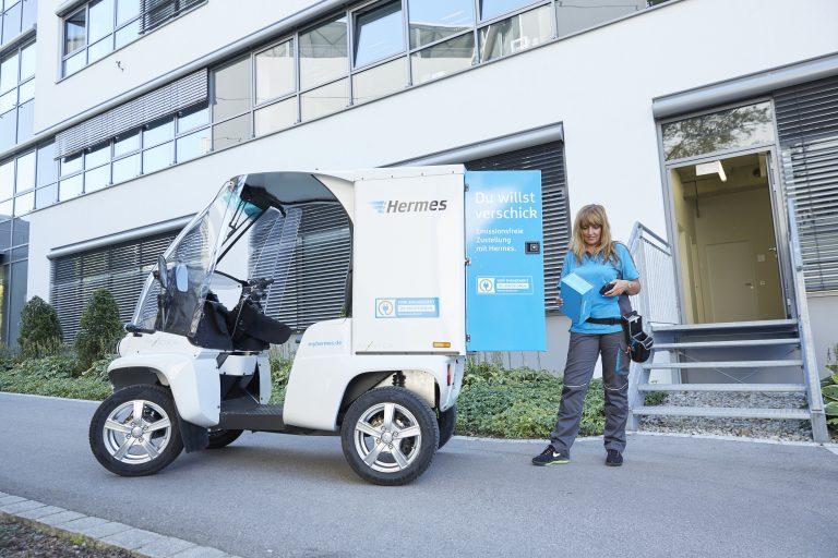 Zustellung mit dem leichten Elektrofahrzeug Paxster in Garching bei München. (Foto: Hermes)Paxster München zustellung elektrofahrzeug