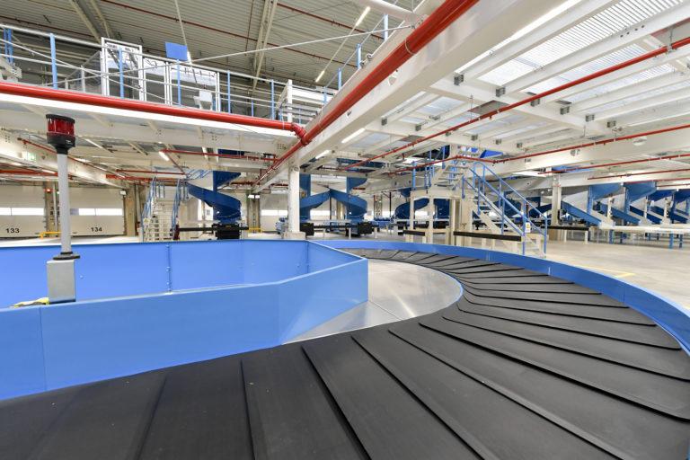 Die Fördertechnik im neuen Hermes Logistik-Center in Leipzig. (Foto: Hermes)  LC-Eröffnung, Hermes, Zustellung,