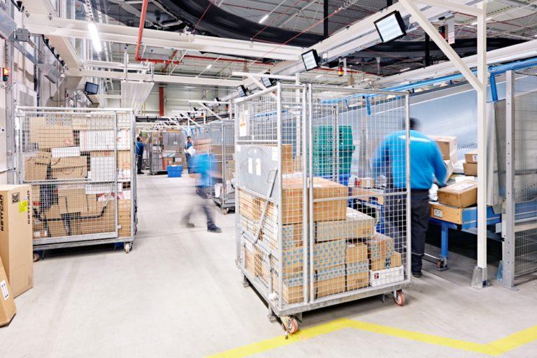 Paketsortierung im Hermes Logistik-Center Leipzig-Halle. (Foto: Hermes/Willing-Holtz)  Logistik-Center; Logistikzentrum; Paketzentrum; Sortierzentrum; Leipzig; Halle; Großkugel; Kabelsketal