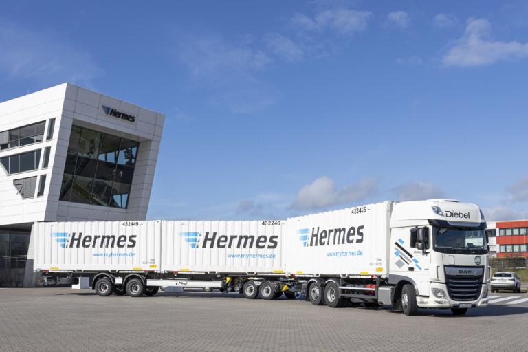 Hermes als Vorreiter: Neuer Lang-LKW im Einsatz (Foto: Hermes) Fahrzeugflotte; Logistik; Nachhaltigkeit; Zustellung; Hamburg; Innovation
