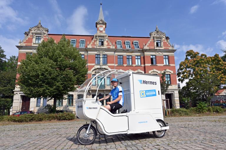 Emissionsfreie Zustellung in Leipzig mit dem Lastenrad (Foto: Hermes) Nachhaltigkeit, Lastenrad, Cargobike, Zustellung,