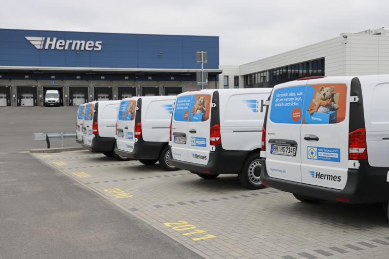 Hermes E-Transporter am Logistik-Center (Foto: Hermes) Zustellung, emissionsfrei, E-Transporter, Nachhaltigkeit